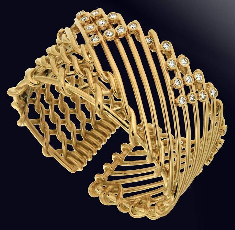 Women's Valentin Magro Diamond Gold Triangular Motif Netting Bracelet For Sale