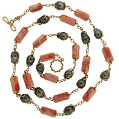 Tahitian pearls and salmon coral Necklace