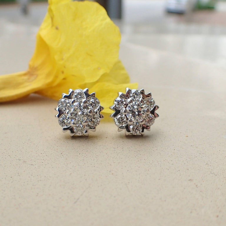Round Cut 18 Karat White Gold Snowflake Style Earrings with 1.42 Carat of Diamond For Sale
