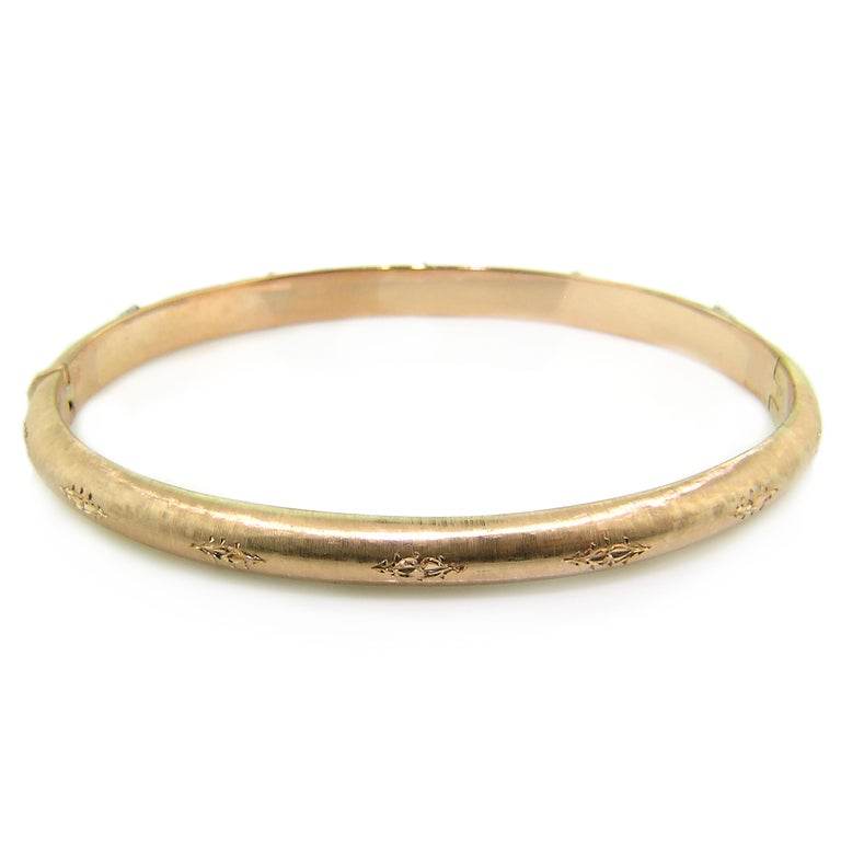 Round Cut 18kt & Diamond Andrea Bangle in Rose, Handmade and Engraved in Florence, Italy For Sale
