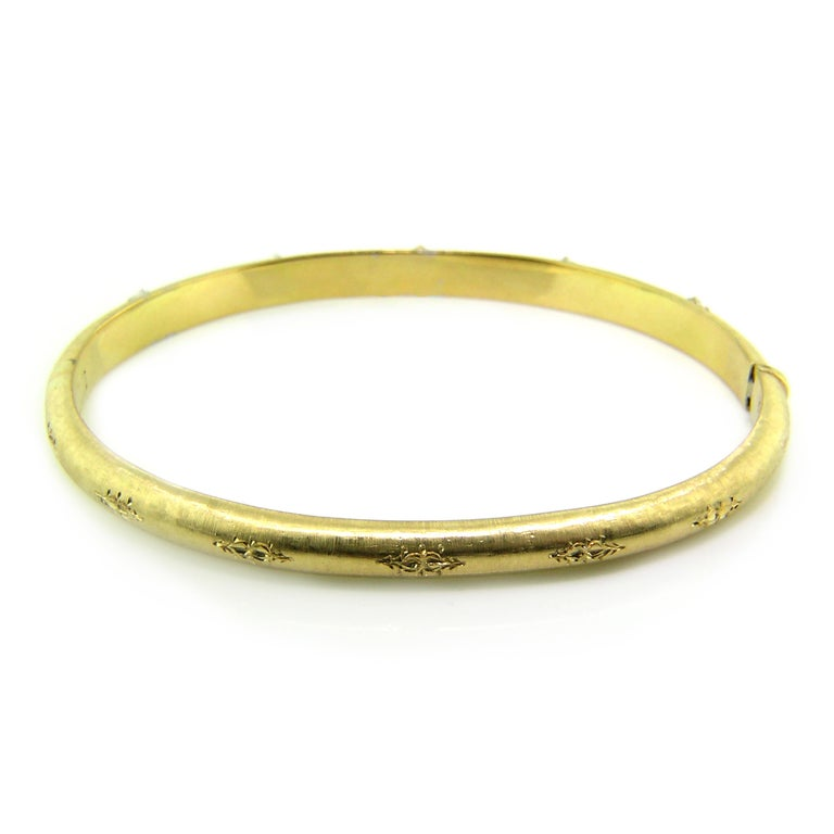 Round Cut 18kt Gold and Diamond Andrea Bangle, Handmade and Engraved in Florence, Italy For Sale