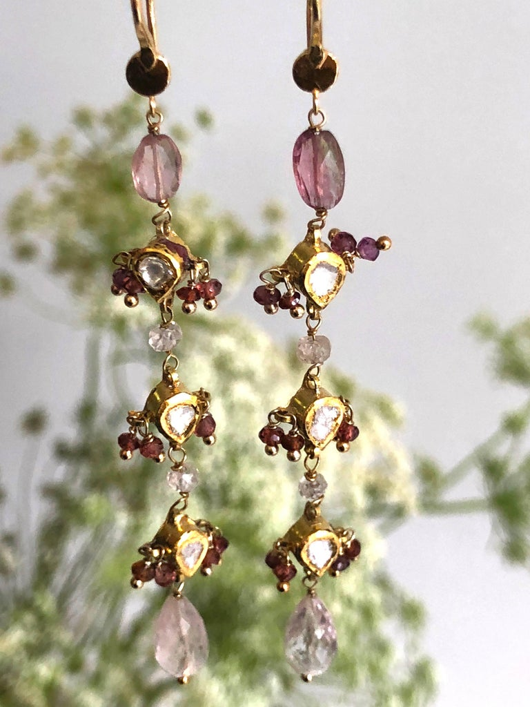Diamonds, Sapphire and Pink Tourmaline Briolette Cut 18K Gold Dangle Earrings In As New Condition For Sale In Paris, FR