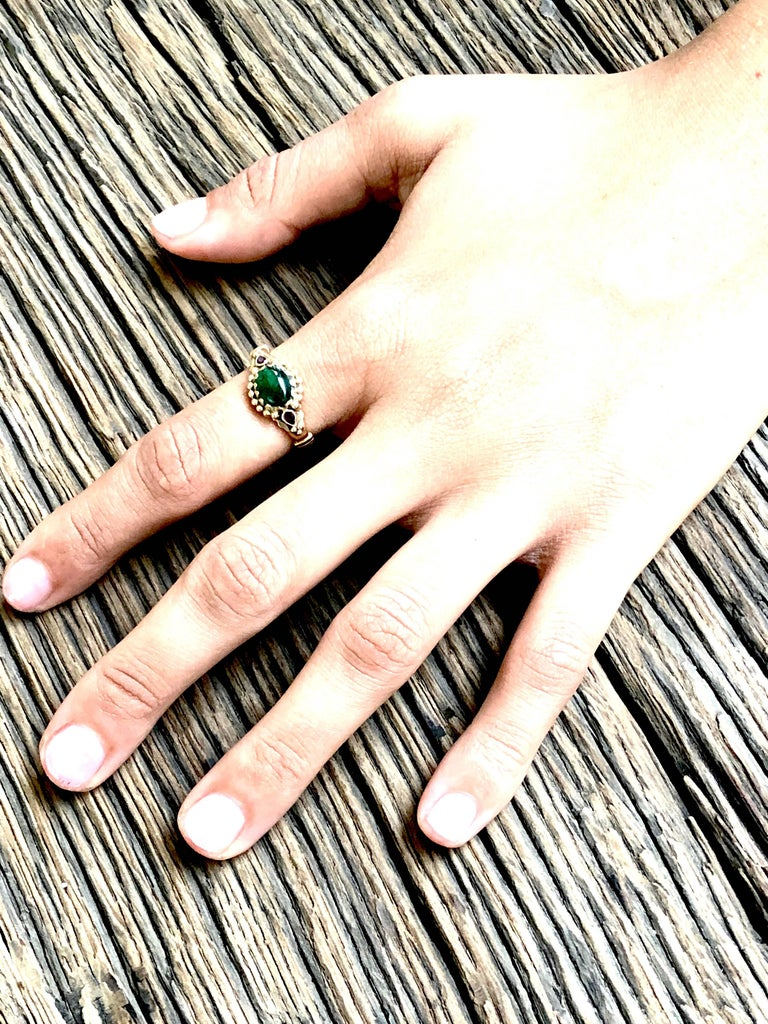 Emerald and Ruby 18K Gold Ring In New Condition For Sale In Paris, FR