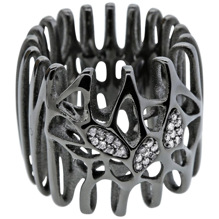 FLOWEN Sterling Silver Radix Cocktail Ring in Black ruthenium with ice diamonds For Sale