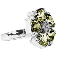 .925 Sterling Silver Olive Peridot Blossom Stone Ring