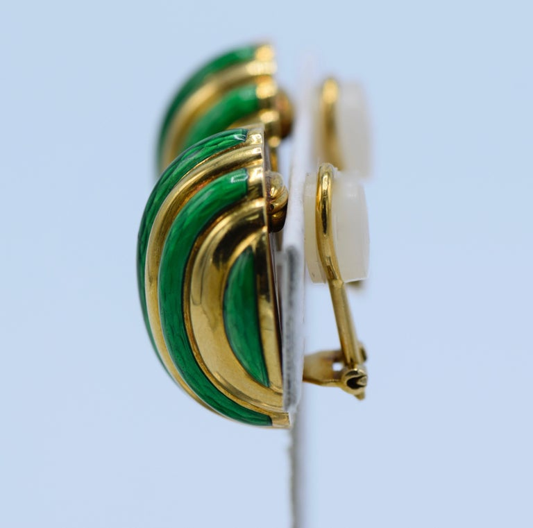 Tiffany & Co. 18 Karat Yellow Gold with Green Enamel Clip-On Earrings In Excellent Condition For Sale In New York, NY