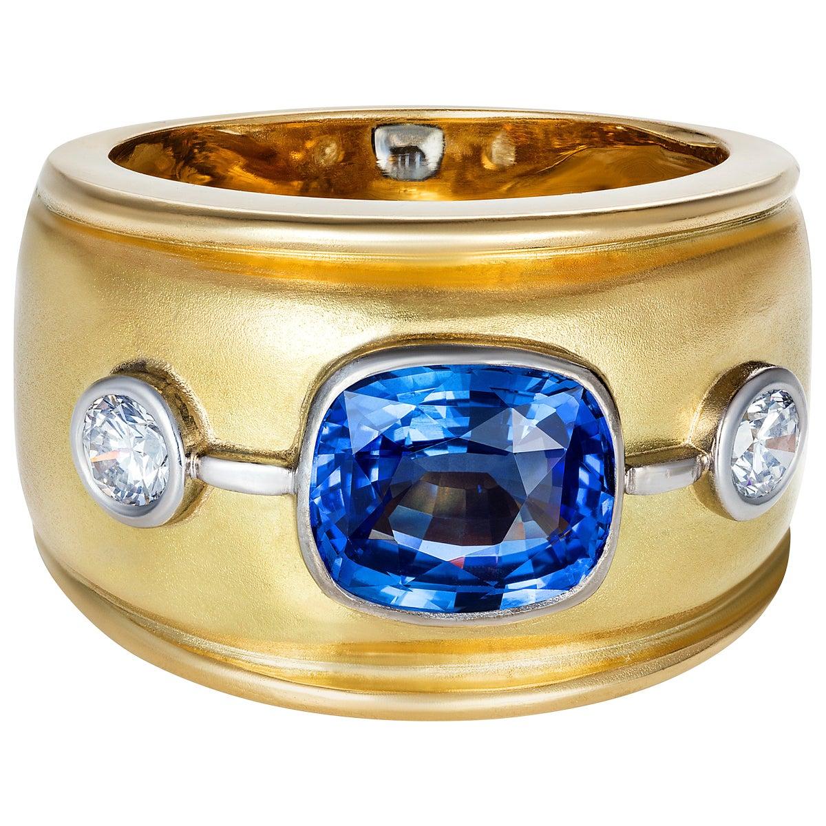 Sri Lankan Blue Sapphire and White Diamonds Cocktail Ring