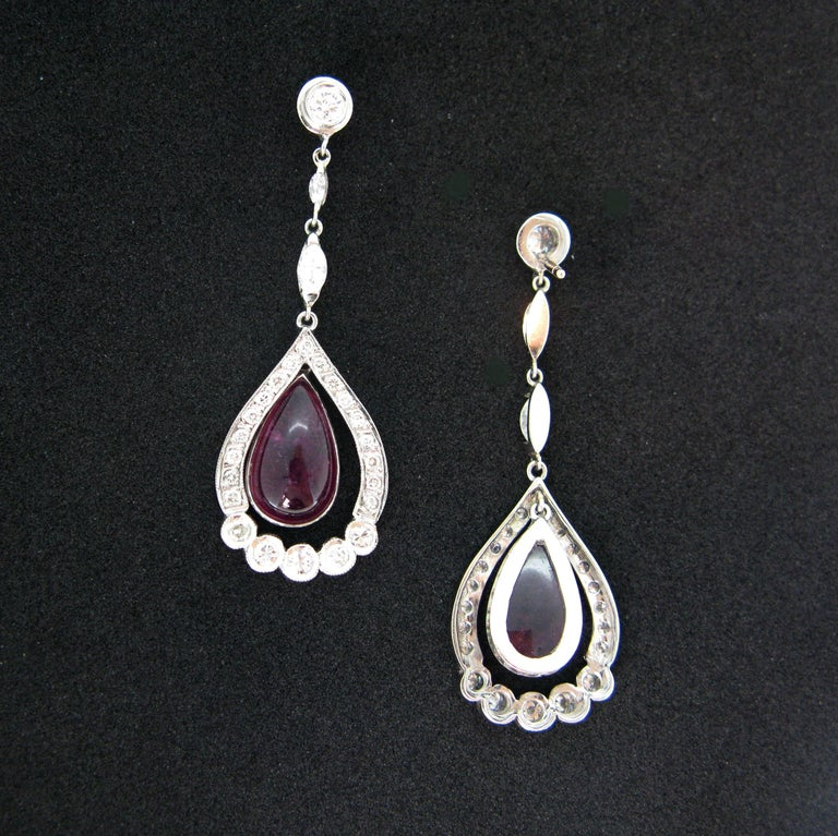 Tourmaline Cabochon Diamonds White Gold Dangle Drop Earrings In New Condition For Sale In London, GB