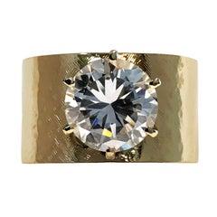 Vintage 14 Karat Gold Textured Wide Band Cubic Zirconia Ring
