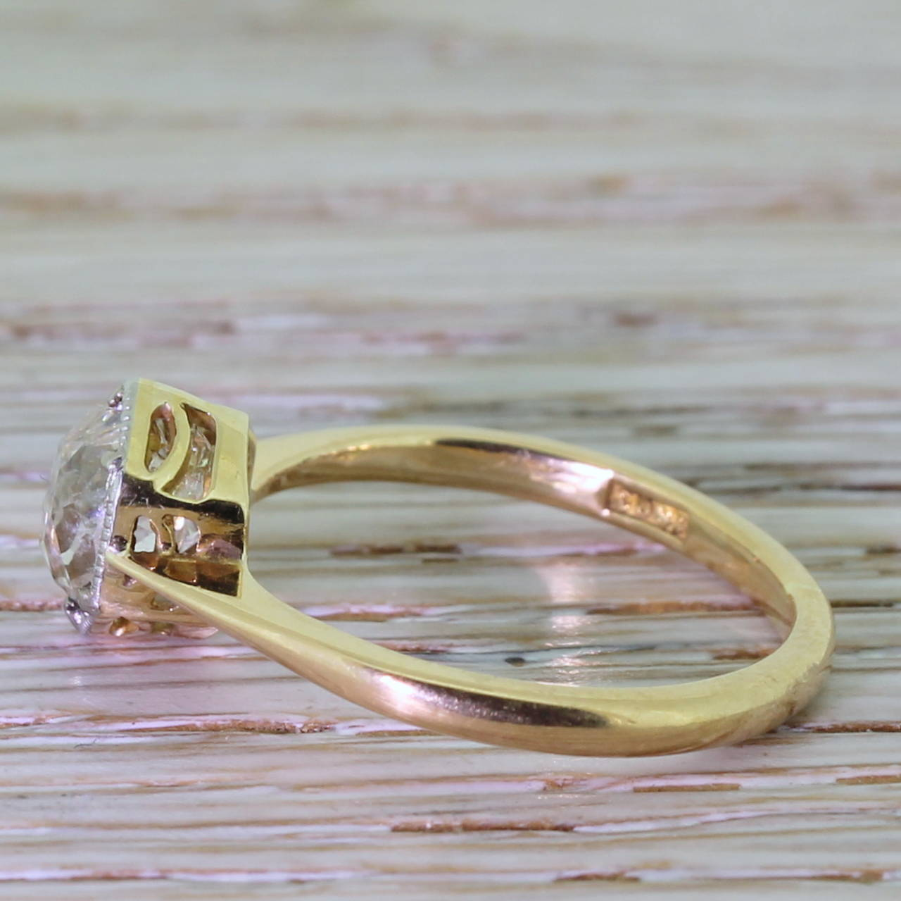 Early 20th Century 1.47 Carat Old Cut Diamond Gold Engagement Ring 3