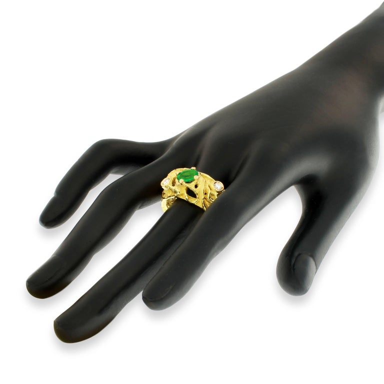 Sacchi Oval Emerald and Diamonds Gemstone 18 Karat Yellow Gold Cocktail Ring In New Condition For Sale In Rome, IT