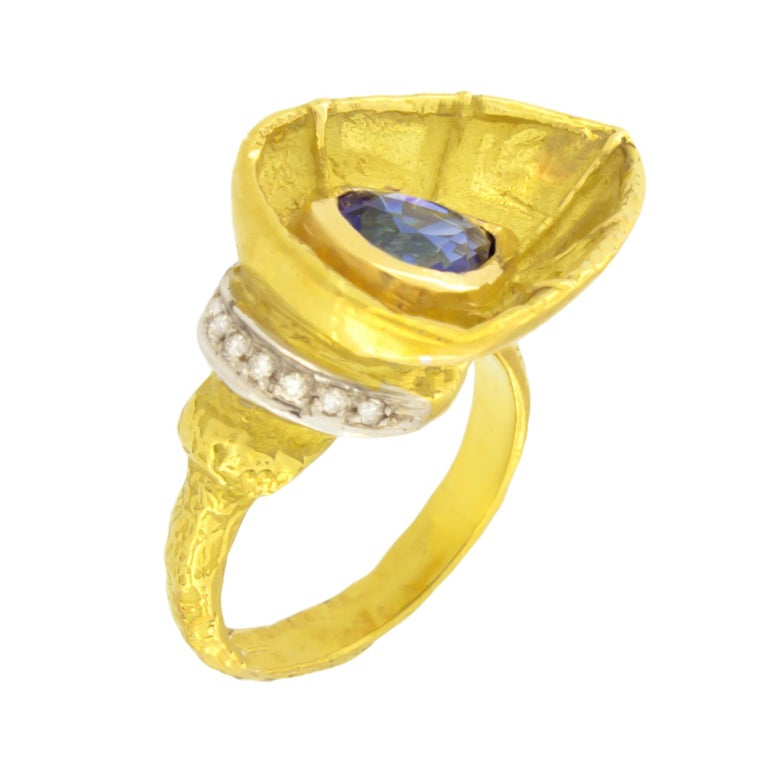 Sacchi 2.7 Carat Pear Blue Sapphire and Diamonds Gemstone 18k Gold Cocktail Ring