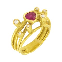 Sacchi Heart Ruby and Diamonds 18k Yellow Gold Cocktail Ring