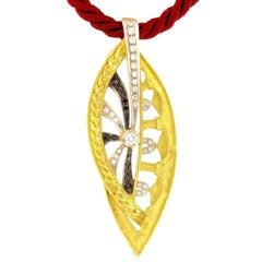 Sacchi Black and White Diamonds Gemstone 18k Yellow Gold Pendant Necklace