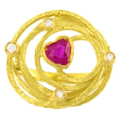 Sacchi Medium Heart Ruby and Diamonds Gemstone 18 Karat Gold Cocktail Ring