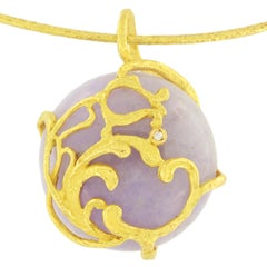 "Sacchi ""Burlesque"" Lavender Jade Gemstone 18 Karat Satin Yellow Gold Pendant"
