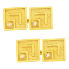 Sacchi Diamond Gemstone 18 Karat Satin Yellow Gold Square Chain Link Cufflinks