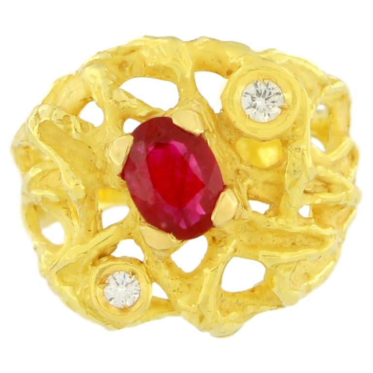 Sacchi Oval Ruby and Diamonds Gemstone 18 Karat Yellow Gold Cocktail Ring