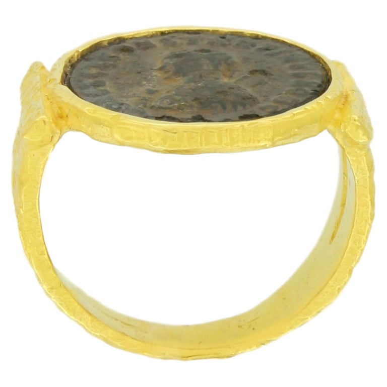 Sacchi Ancient Roman Coin Ring 18 Karat Satin Yellow Band Gold In New Condition For Sale In Rome, IT