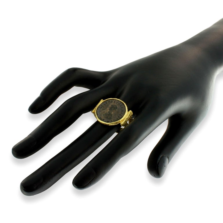Women's or Men's Sacchi Ancient Roman Coin Ring 18 Karat Satin Yellow Band Gold For Sale