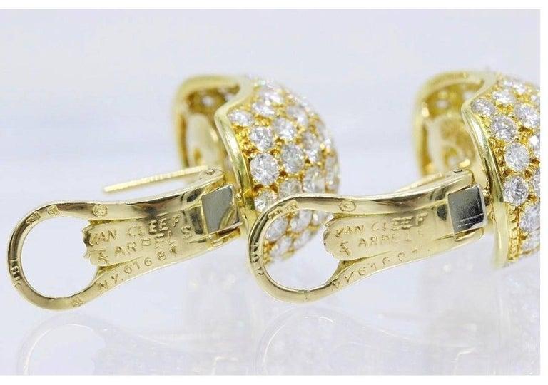 Van Cleef & Arpels Pave Diamond Huggie Earrings in 18 Karat Gold 13.50 Carat For Sale 3