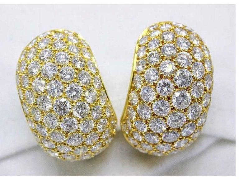 Van Cleef & Arpels Pave Diamond Huggie Earrings in 18 Karat Gold 13.50 Carat For Sale 5