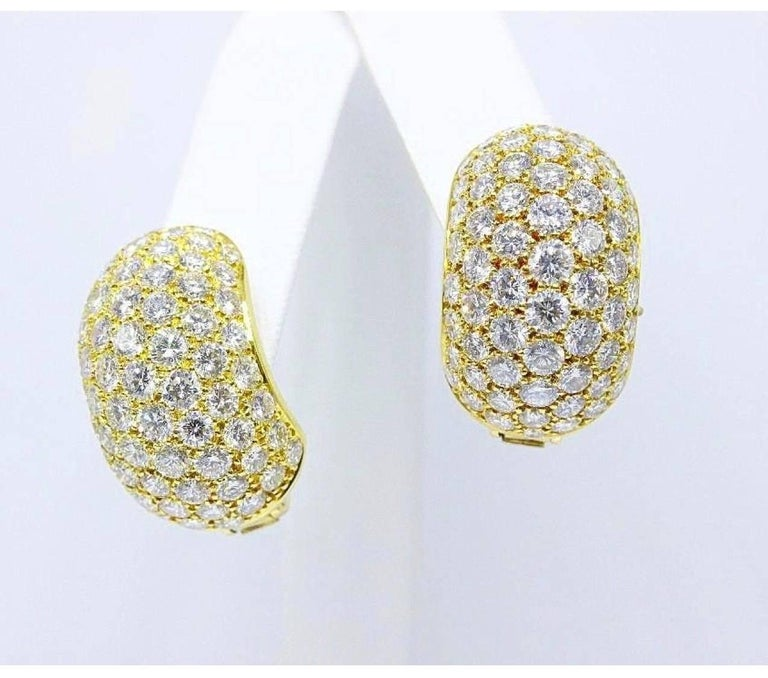 Women's Van Cleef & Arpels Pave Diamond Huggie Earrings in 18 Karat Gold 13.50 Carat For Sale