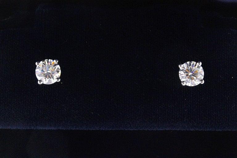 Modern Tiffany & Co Round Brilliant Diamond Stud Earrings 2.04 TCW I VVS2-VS1 Platinum For Sale