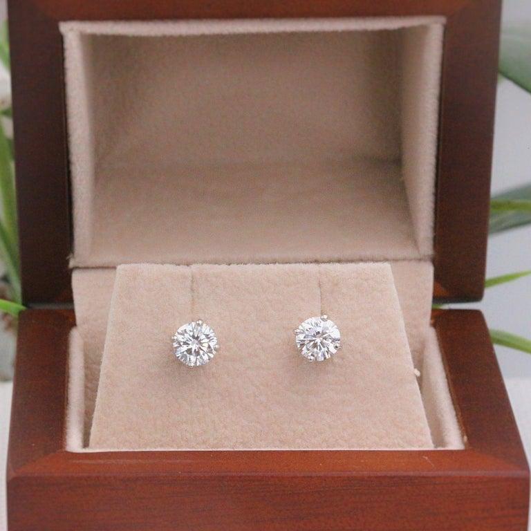 Leo Diamond Stud Earrings Rounds 0.98 Carat F-G SI 14 Karat White Gold For Sale 5