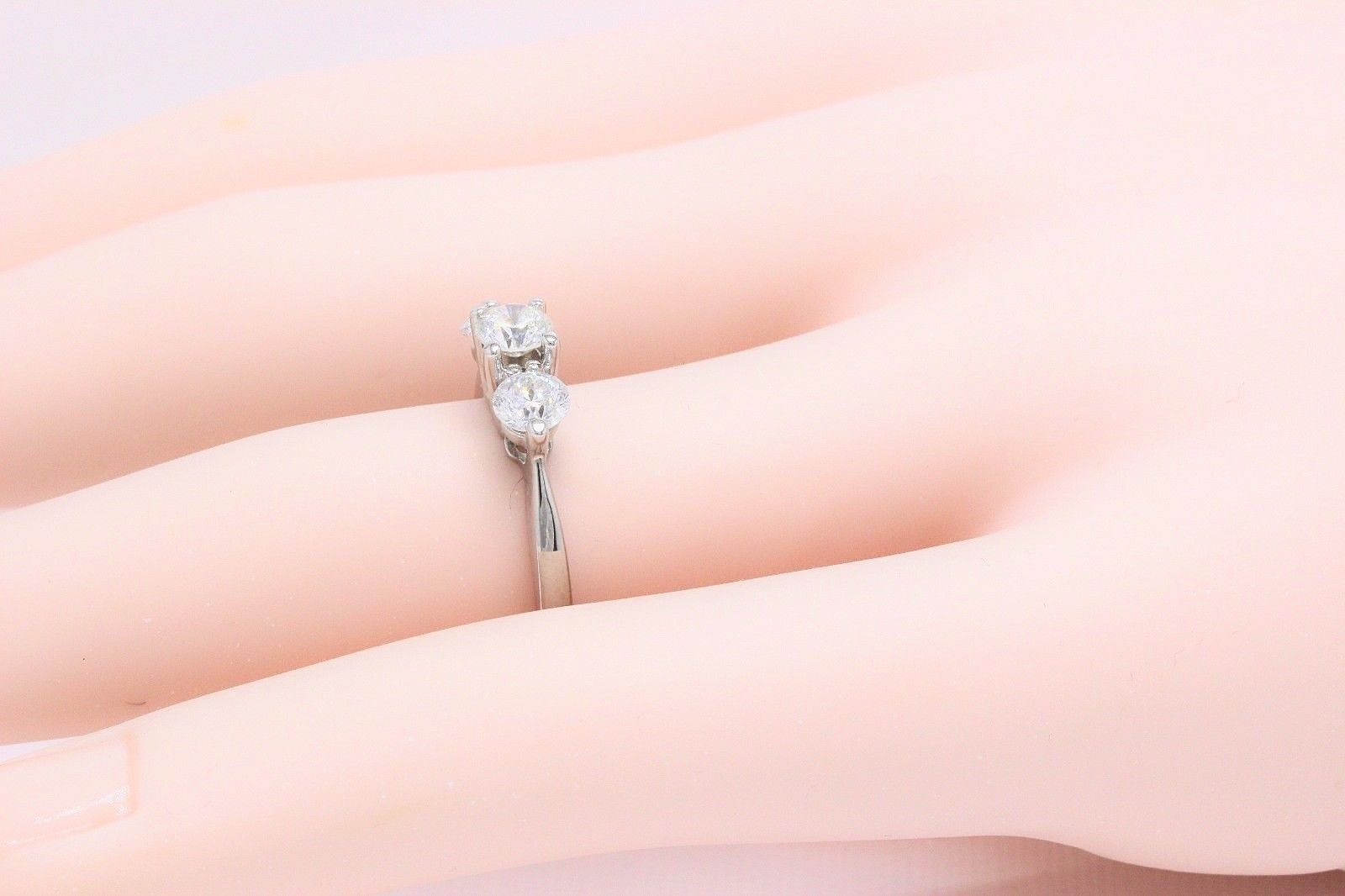 Sitara Round Diamond Ring Round 1.04 Carat Three-Stone Ring GSI ...