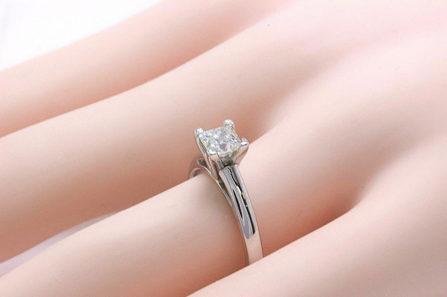 Leo Princess Cut Diamond Solitaire Engagement Ring 0.83 CT I SI1 14k ...