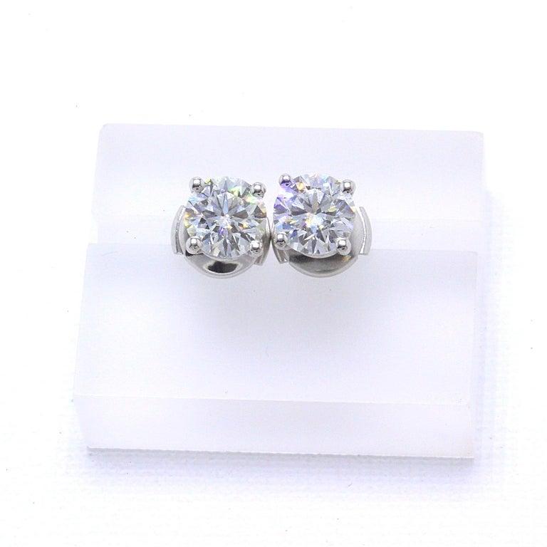 Tiffany & Co Round Brilliant Diamond Stud Earrings 2.04 TCW I VVS2-VS1 Platinum For Sale 1