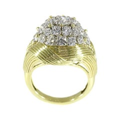 Mauboussin Paris 2.70 Carat Diamond 18 Karat Yellow Gold Cocktail Ring, 1950s