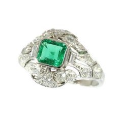 Art Deco 1.03 Carat Certified Colombian Emerald and Diamond Platinum Ring