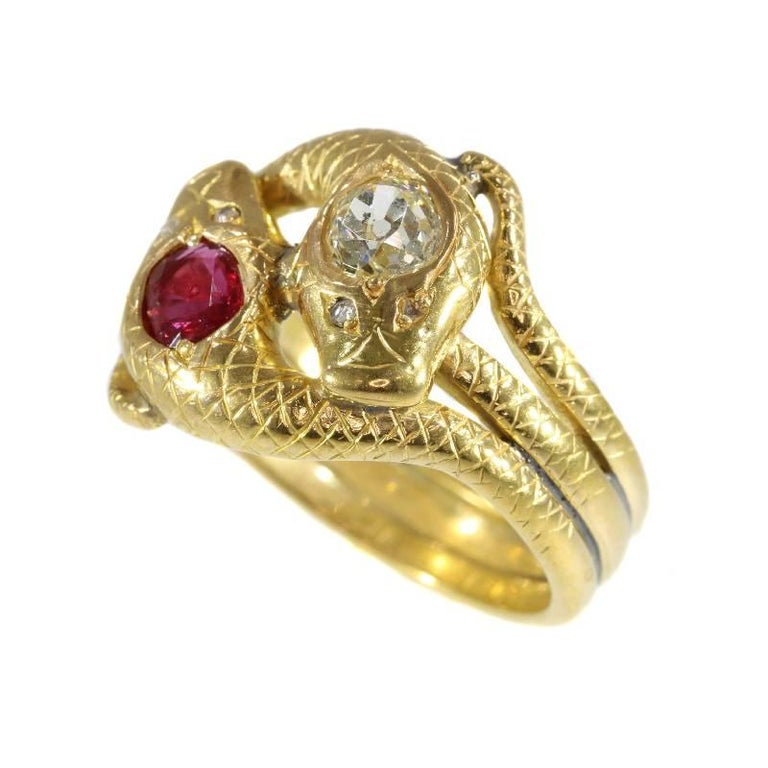 Women's or Men's Victorian Ruby and Diamond 18 Karat Yellow Gold Double Snakes Ring For Sale