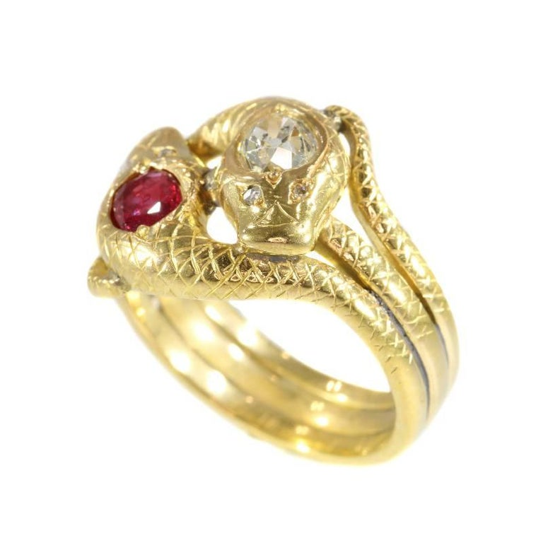 Victorian Ruby and Diamond 18 Karat Yellow Gold Double Snakes Ring For Sale 5