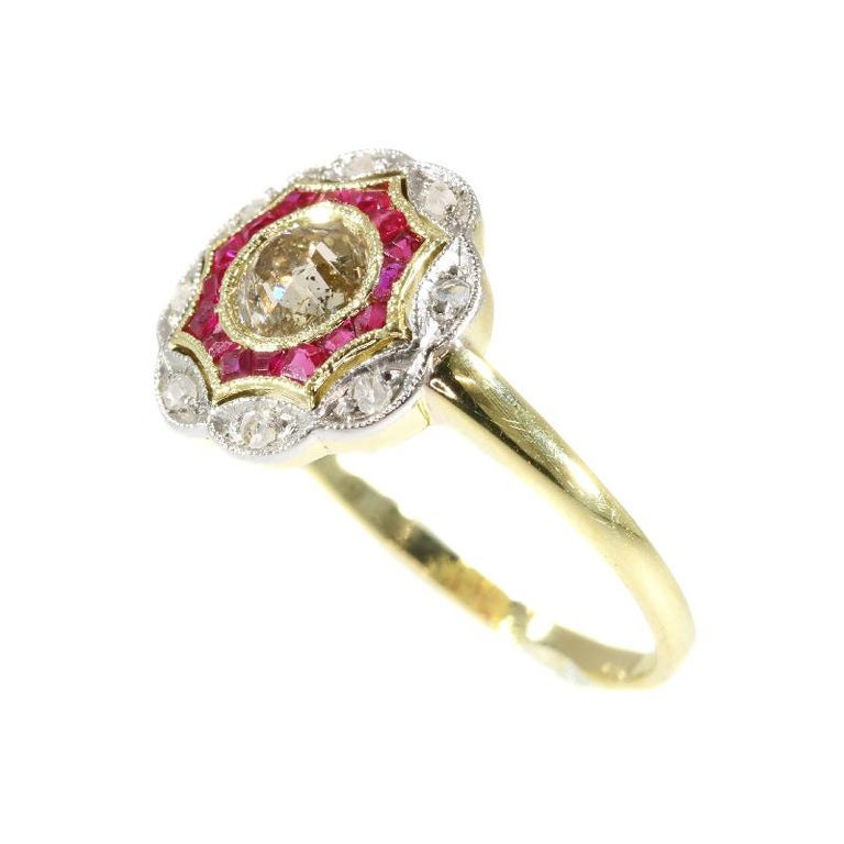 Women's Art Deco Diamond and Ruby 18 Karat Yellow Gold Ring For Sale