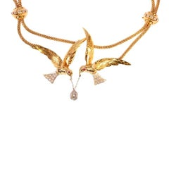 French Retro Bird Swallow Pear Shape Diamond Yellow Gold Necklace