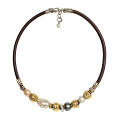 Necklace with Leather, Peals and Yellow Gold 18 Karat