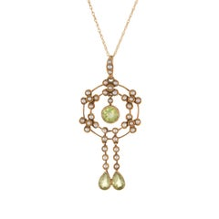 Antique Edwardian Lavaliere Pendant Peridot Seed Pearl Necklace 15 Karat Gold