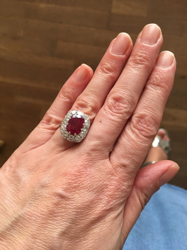 Certified 3 20 Carat Siam Ruby 2 Diamonds 18 Karat White Gold Ring In New Condition