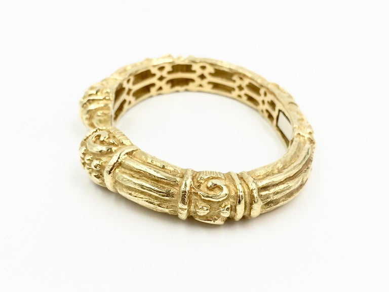 Carved 18 Karat Gold Cuff Bracelet by Katy Briscoe In Excellent Condition For Sale In Pikesville, MD
