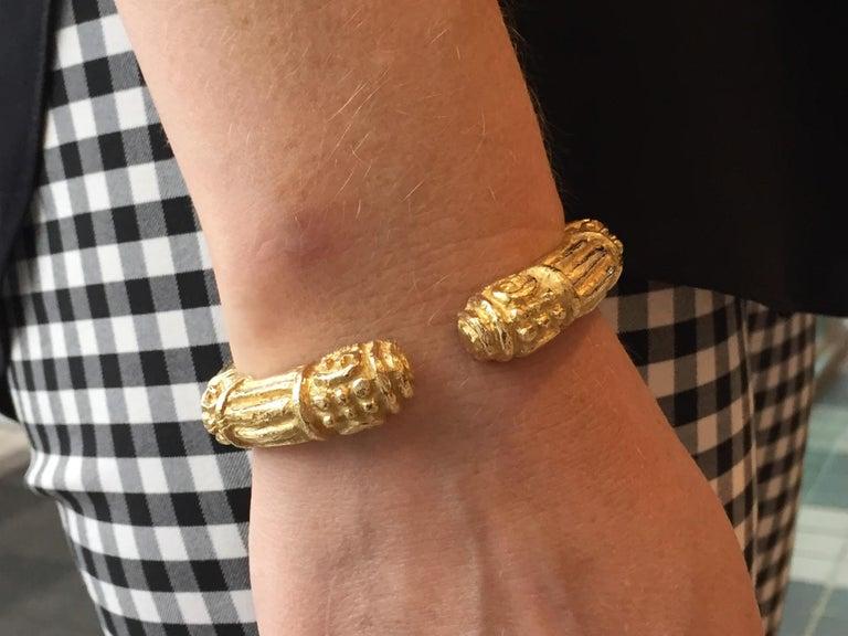 Carved 18 Karat Gold Cuff Bracelet by Katy Briscoe For Sale 2
