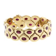 Chaumet 18 Karat Yellow Gold Ruby Bracelet, Paris