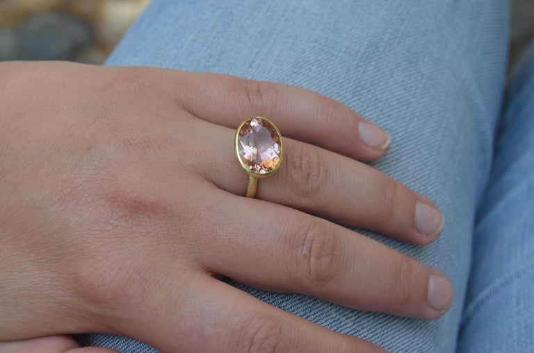 18k Handmade Gold Organic Texture Ring with 7ct Oval Morganite by Disa Allsopp For Sale 2