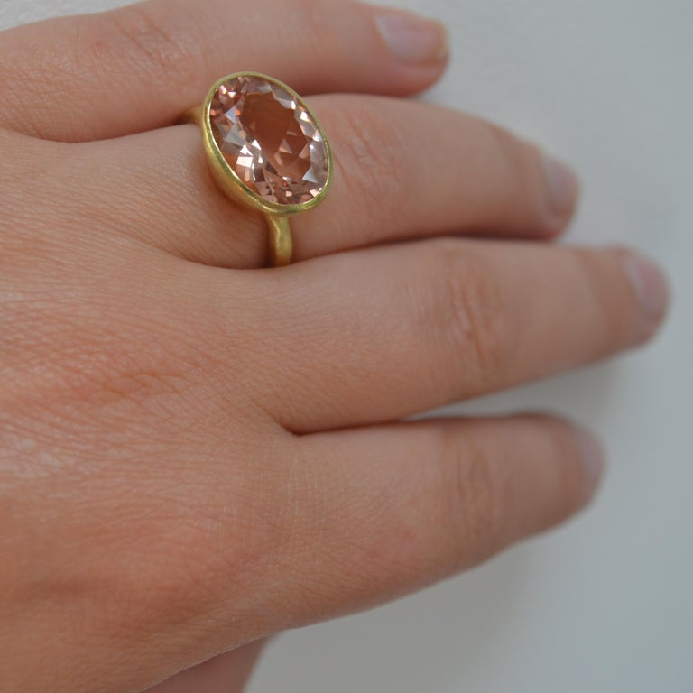 18k Handmade Gold Organic Texture Ring with 7ct Oval Morganite by Disa Allsopp For Sale 3