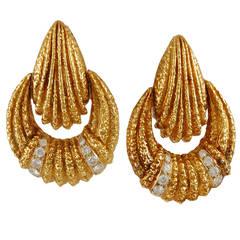 Van Cleef & Arpels Diamond Gold Earclips