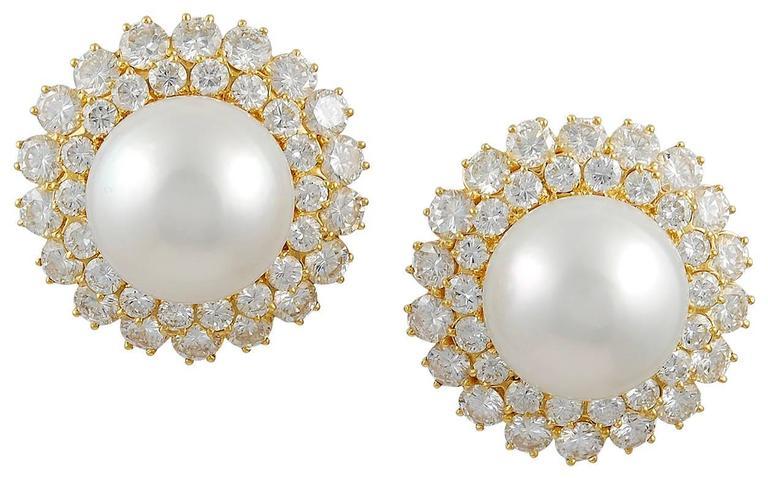 Van Cleef & Arpels Pearl Diamond Gold Earclips