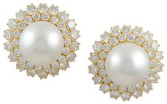 Van Cleef & Arpels Pearl Diamond Gold Earclips