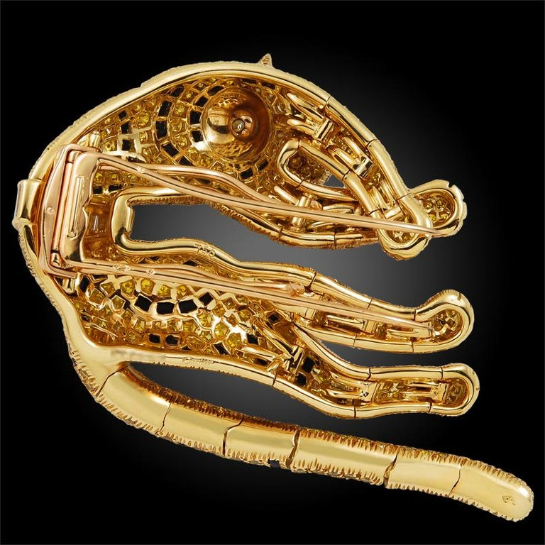 Cartier Paris Fancy Yellow Diamond Duchess of Windsor Style Draped Tiger Brooch For Sale 2